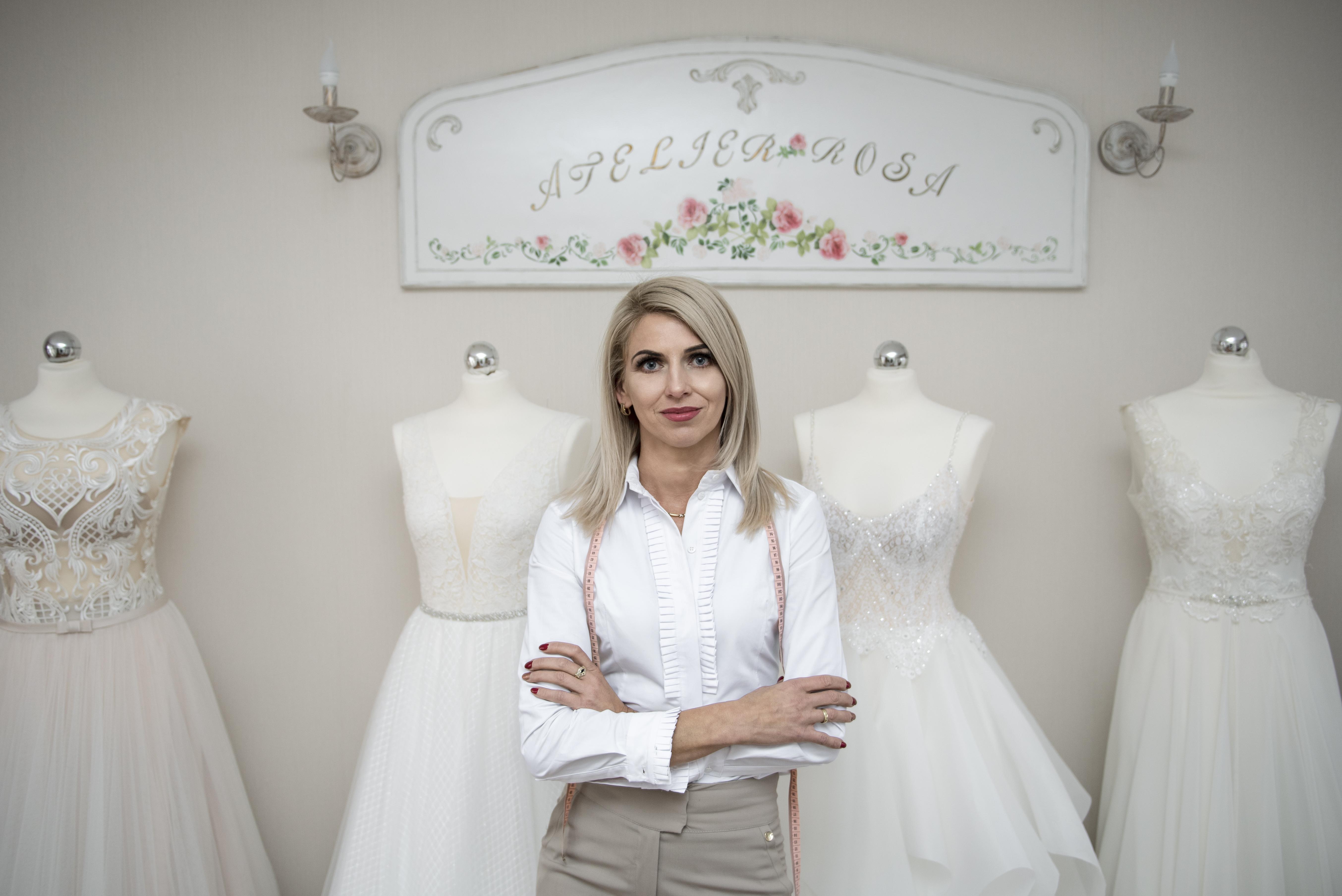 1e53dcdb01 Atrakcyjne ceny – Oferta obejmuje suknie w wyjątkowych przedziałach  cenowych. Ponadto organizujemy promocje na wybrane suknie ślubne i dodatki.